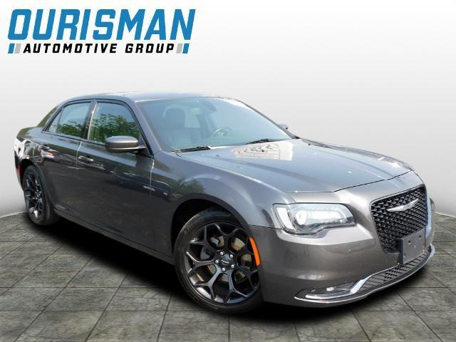 2019 Chrysler 300 Vehicle Photo in Clarksville, MD 21029