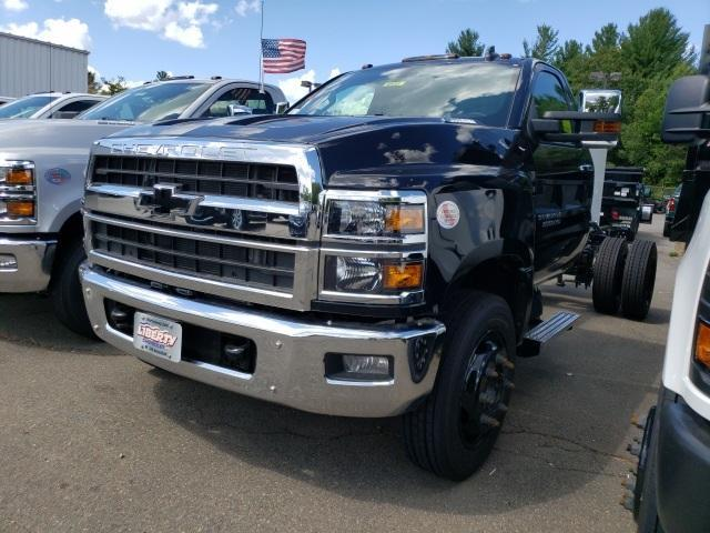 2020 Chevrolet Silverado Chassis Cab Vehicle Photo in Wakefield, MA 01880