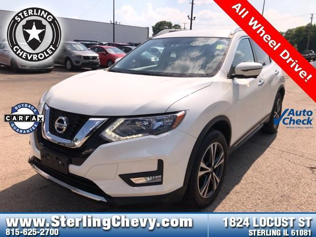 2017 Nissan Rogue Vehicle Photo in Sterling, IL 61081