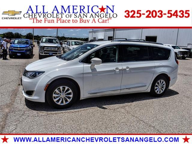 2018 Chrysler Pacifica Vehicle Photo in SAN ANGELO, TX 76903-5798