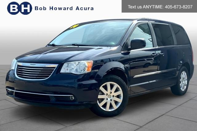 2014 Chrysler Town & Country Vehicle Photo in Oklahoma City , OK 73131