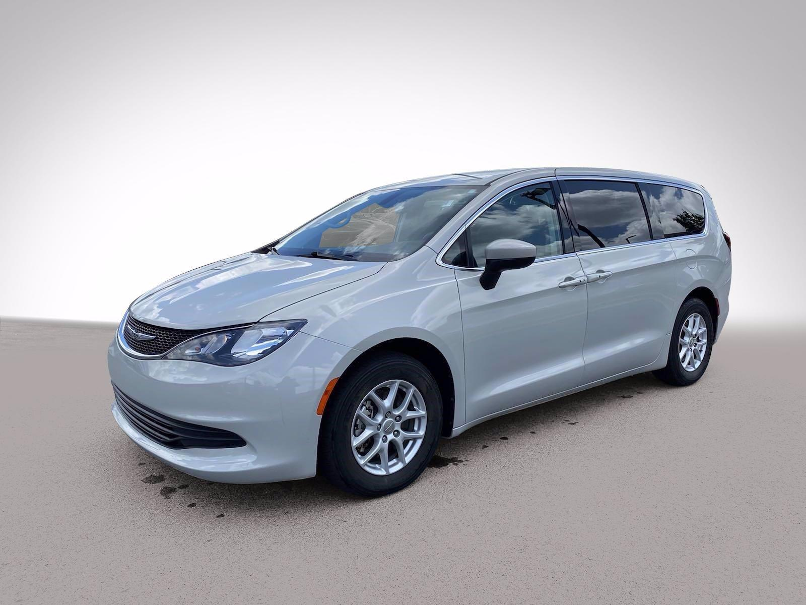 2017 Chrysler Pacifica Vehicle Photo in BUFORD, GA 30518