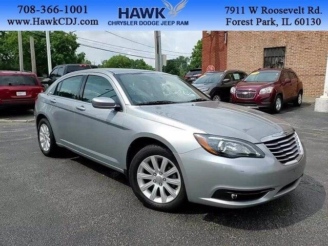 2013 Chrysler 200 Vehicle Photo in Plainfield, IL 60586