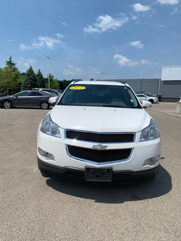 2011 Chevrolet Traverse Vehicle Photo in Dubuque, IA 52002