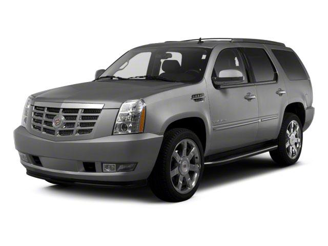 2010 Cadillac Escalade Vehicle Photo in Bend, OR 97701