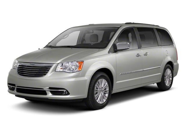 2013 Chrysler Town & Country Vehicle Photo in Akron, OH 44320