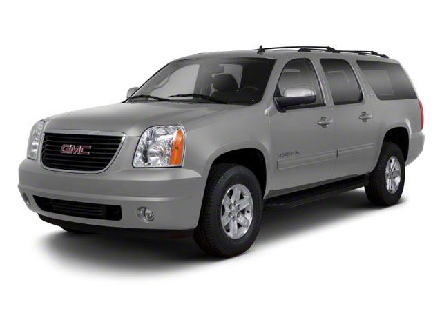 2013 GMC Yukon XL Vehicle Photo in Maplewood, MN 55119