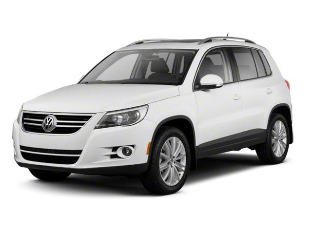2011 Volkswagen Tiguan Vehicle Photo in Joliet, IL 60586