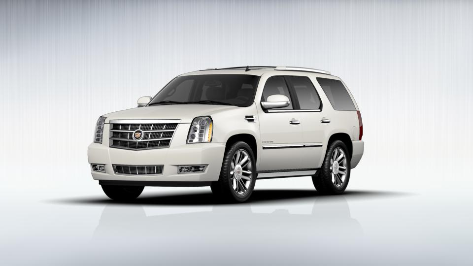 2013 Cadillac Escalade Vehicle Photo in Watertown, CT 06795