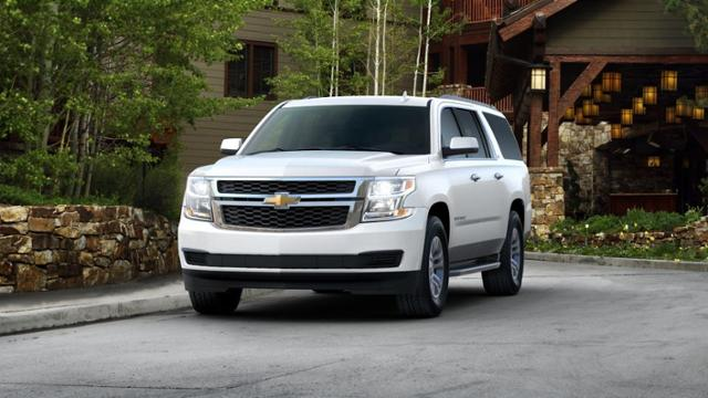 Pre Owned Suburban >> Used 2017 Chevrolet Suburban Lt With Summit White Exterior Stock 192411 Crivitz Wi