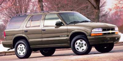 2000 Chevrolet Blazer Vehicle Photo in Boonville, IN 47601