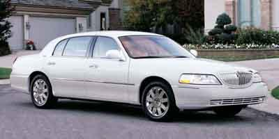 2003 LINCOLN Town Car Vehicle Photo in San Antonio, TX 78209