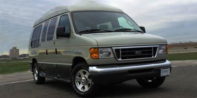 2005 Ford Econoline Wagon Vehicle Photo in Harvey, LA 70058