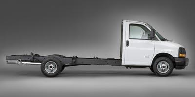 2011 GMC Savana Commercial Cutaway Vehicle Photo in Freeland, MI 48623
