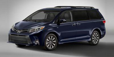 2020 Toyota Sienna Vehicle Photo in Oshkosh, WI 54904