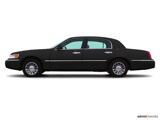 2001 LINCOLN Town Car Vehicle Photo in Mukwonago, WI 53149