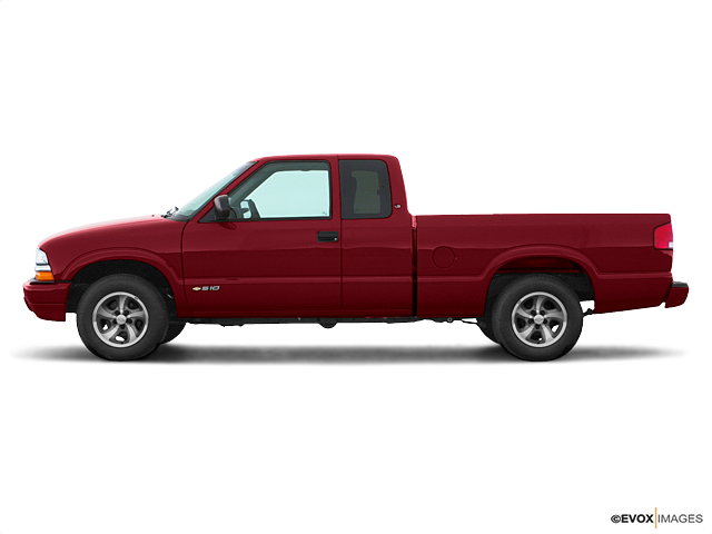 2000 Chevrolet S-10 Vehicle Photo in Akron, OH 44320