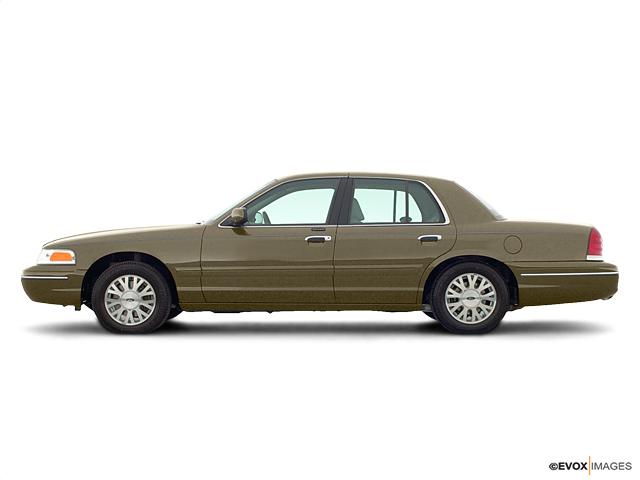 2003 Ford Crown Victoria Vehicle Photo in Midlothian, VA 23112