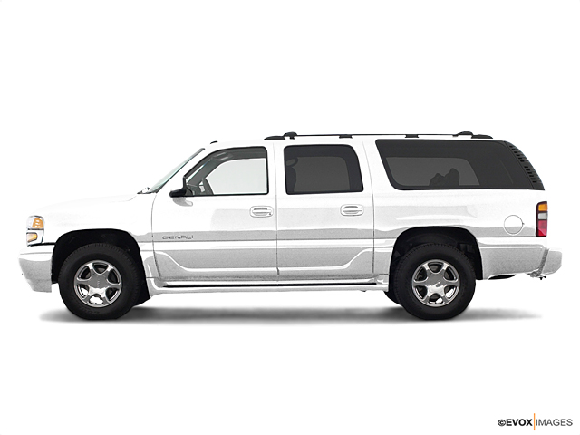 2003 GMC Yukon XL Denali Vehicle Photo in Bend, OR 97701