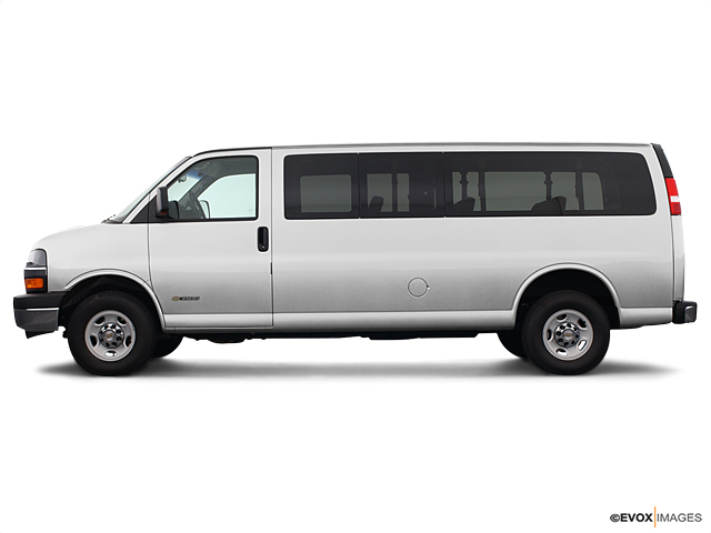2004 Chevrolet Express Passenger Vehicle Photo in Englewood, CO 80113