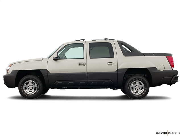 2004 Chevrolet Avalanche Vehicle Photo in Fishers, IN 46038