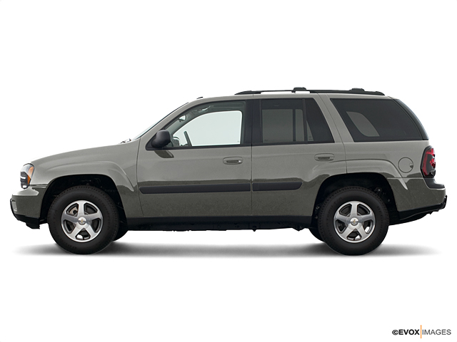 2005 Chevrolet TrailBlazer Vehicle Photo in Mukwonago, WI 53149