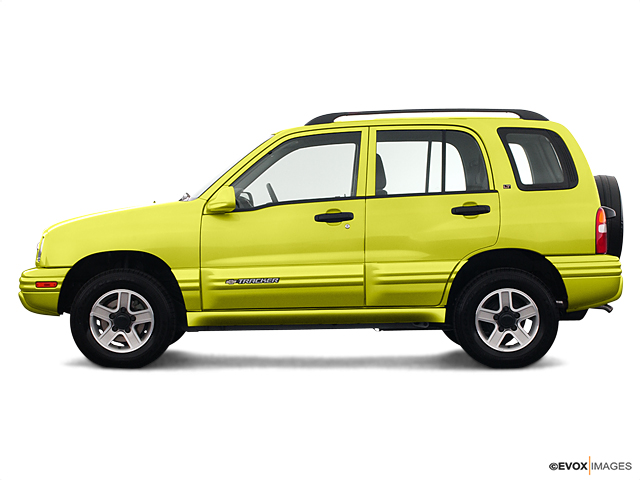 2003 Chevrolet Tracker Vehicle Photo in Mukwonago, WI 53149