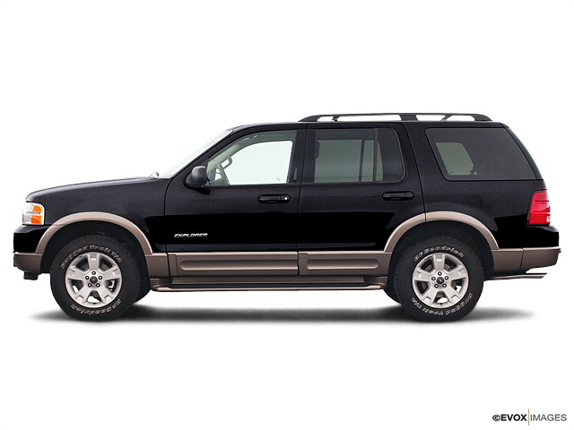 2005 Ford Explorer Vehicle Photo in Janesville, WI 53545