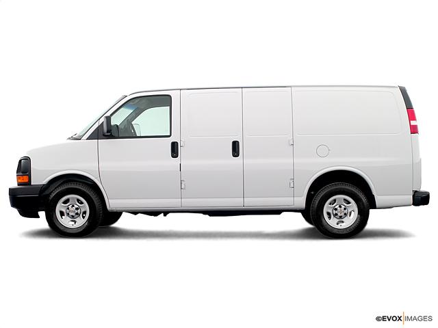 2005 Chevrolet Express Cargo Van Vehicle Photo in Joliet, IL 60435