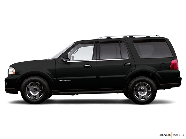 2005 LINCOLN Navigator Vehicle Photo in Manhattan, KS 66502