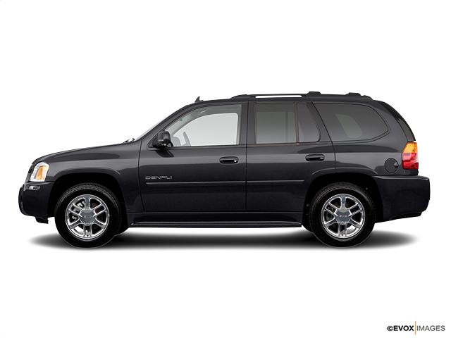 2006 GMC Envoy Vehicle Photo in Freeland, MI 48623
