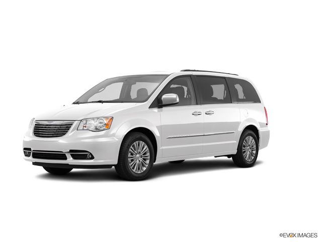 2016 Chrysler Town & Country Vehicle Photo in Gardner, MA 01440