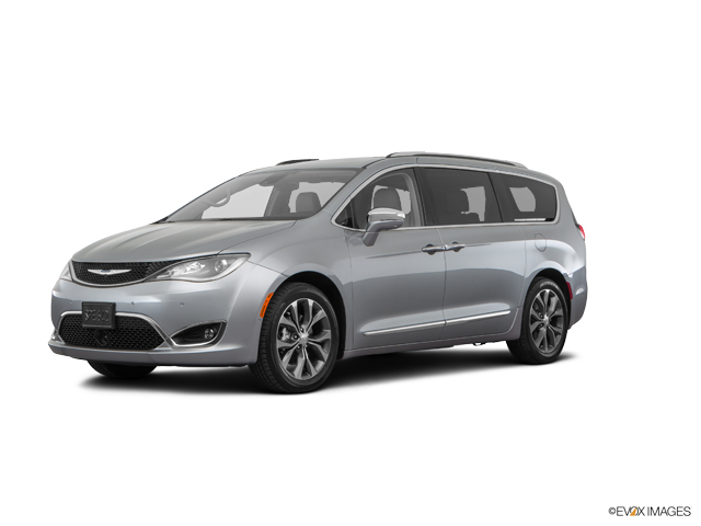 2017 Chrysler Pacifica Vehicle Photo in San Angelo, TX 76901
