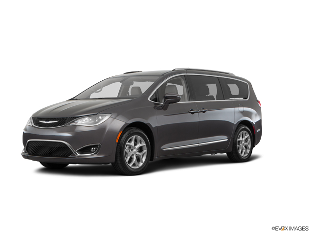 2017 Chrysler Pacifica Vehicle Photo in Gardner, MA 01440