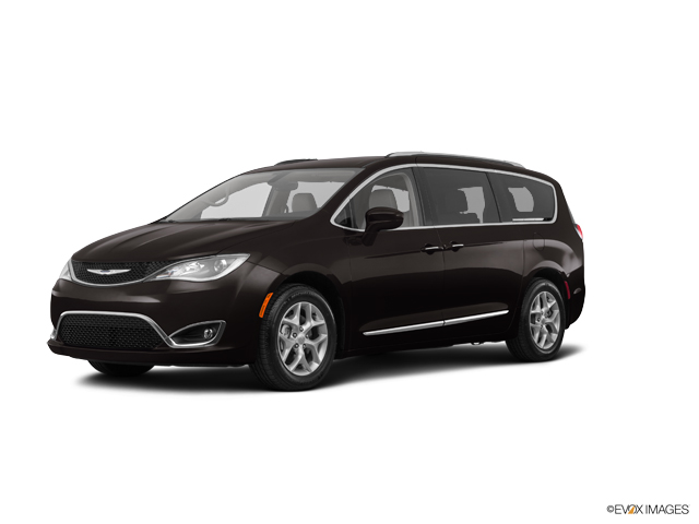 2017 Chrysler Pacifica Vehicle Photo in Mansfield, OH 44906