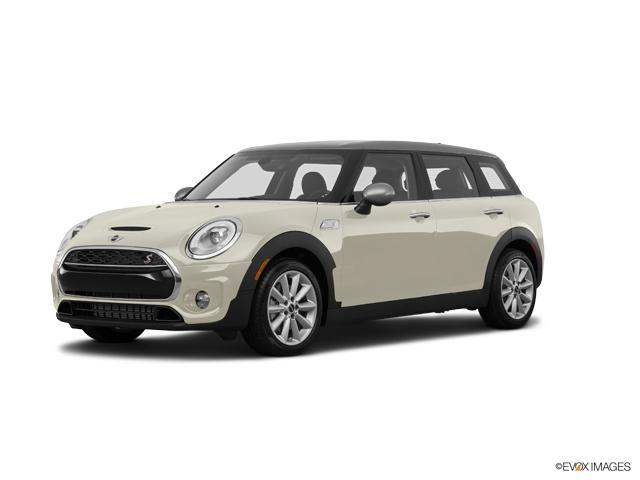 2017 MINI Cooper Clubman ALL4 Vehicle Photo in Appleton, WI 54913