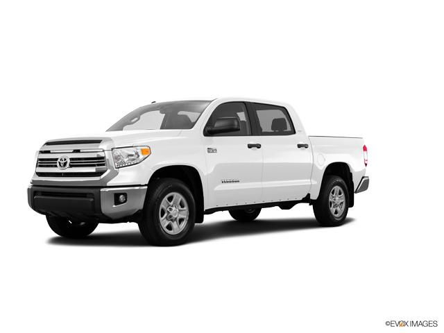 2017 Toyota Tundra 4WD Vehicle Photo in Ellwood City, PA 16117