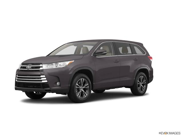 2017 Toyota Highlander Vehicle Photo in Ventura, CA 93003