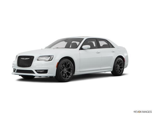 2017 Chrysler 300 Vehicle Photo in Clarksville, MD 21029