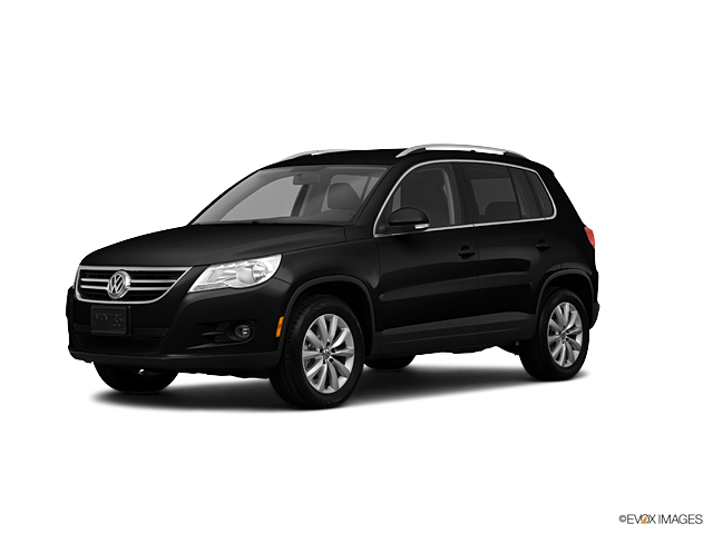 2011 Volkswagen Tiguan Vehicle Photo in Williamsville, NY 14221