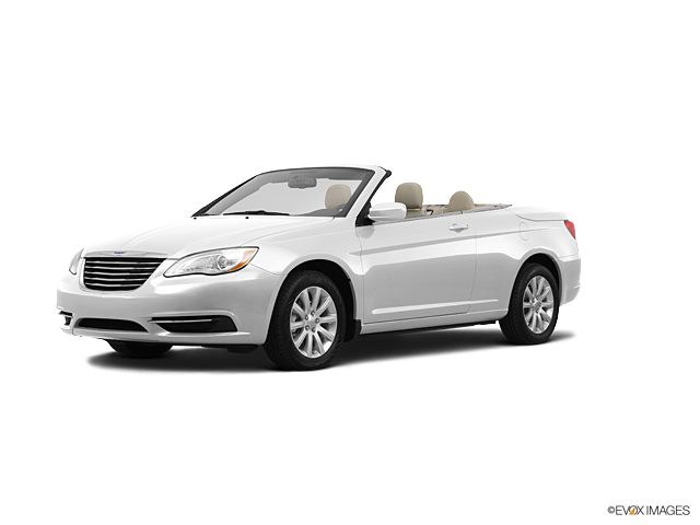 2011 Chrysler 200 Vehicle Photo in Warrensville Heights, OH 44128