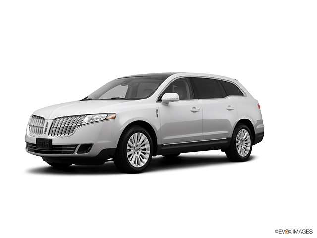 2012 LINCOLN MKT Vehicle Photo in Cary, NC 27511
