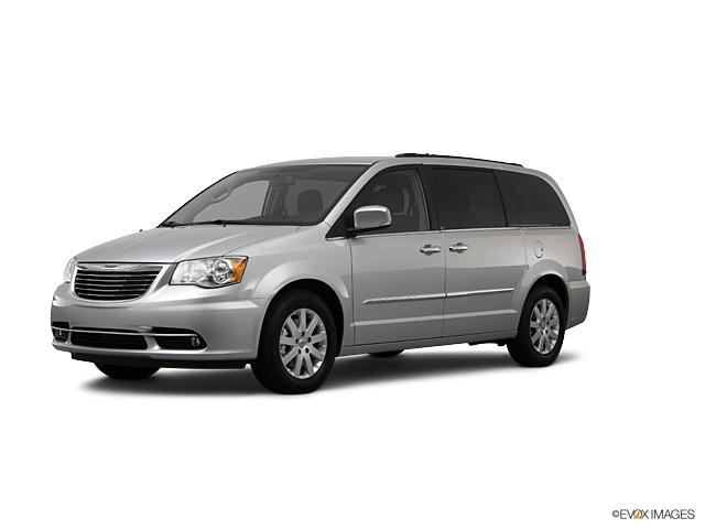 2012 Chrysler Town & Country Vehicle Photo in Watertown, CT 06795