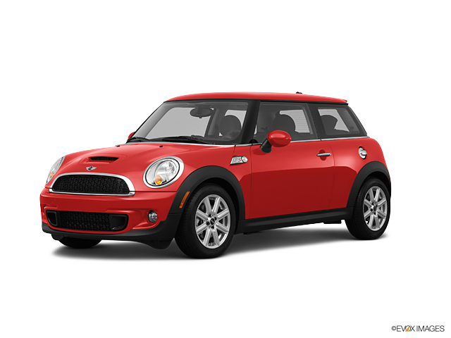 2012 MINI Cooper S Hardtop Vehicle Photo in Manassas, VA 20109