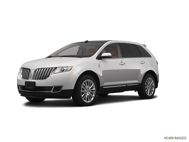 2013 LINCOLN MKX Vehicle Photo in Bloomington, IN 47403