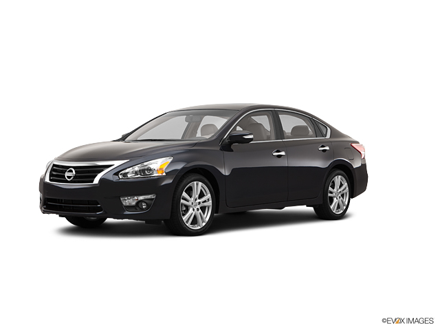 2013 Nissan Altima Vehicle Photo in Greensboro, NC 27405