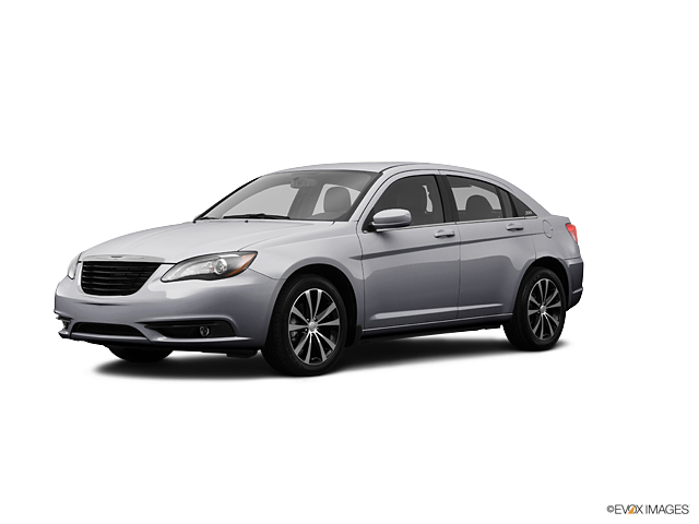 2013 Chrysler 200 Vehicle Photo in Akron, OH 44320