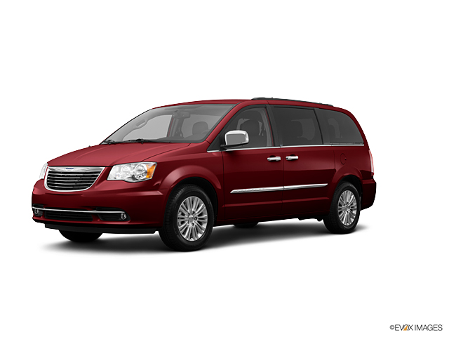 2013 Chrysler Town & Country Vehicle Photo in Joliet, IL 60435
