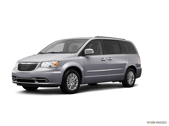 2013 Chrysler Town & Country Vehicle Photo in Midlothian, VA 23112