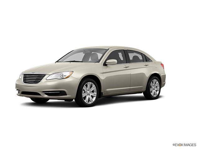 2013 Chrysler 200 Vehicle Photo in Gardner, MA 01440